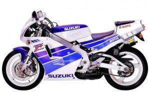 Suzuki RGV250-Gamma-199